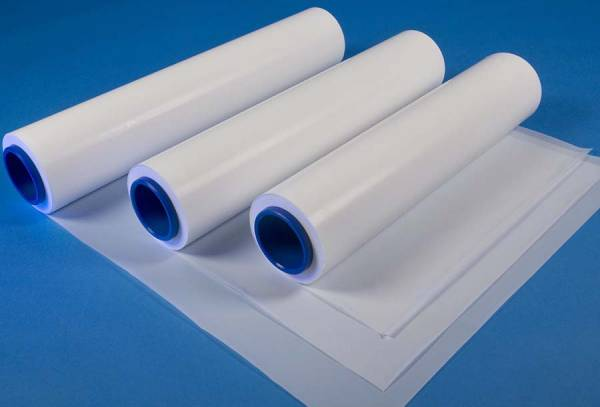 Nhựa PTFE là một trông những loại thường được sử dụng để cấp cách điện trong máy phát điện